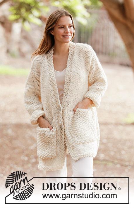 White Comfort Jacket от DROPS Design фото
