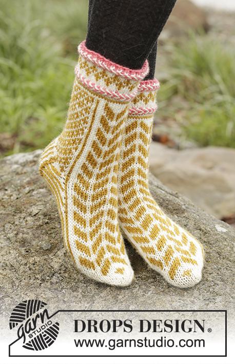 Варежки и носки жаккардовым узором